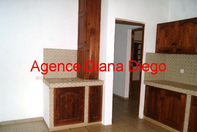 www.diego-suarez-immobilier.com appartement en location centre ville Diego-Suarez cuisine