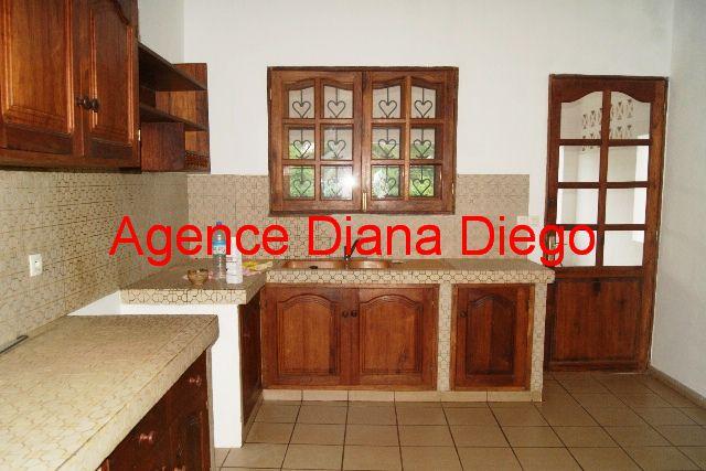 www.diego-suarez-immobilier.com appartement en location centre ville cuisine Diego-Suarez