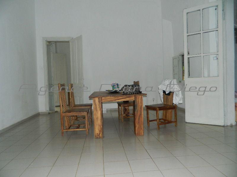 Location-appartement-centre-ville%20Diego-www.diego-suarez-immobilier.com11