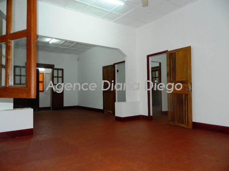 Location-appartement-centre-ville-diego-suarez05