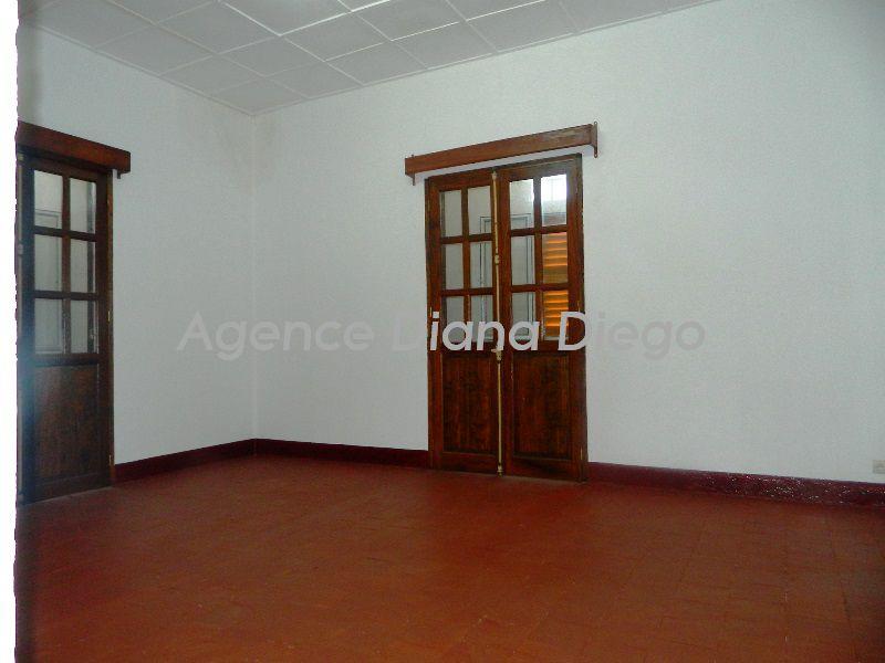 Location-appartement-centre-ville-diego-suarez11