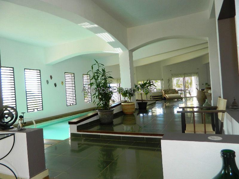 Pour vos vacances Location magnifique villa meublée piscine Diego-Suarez