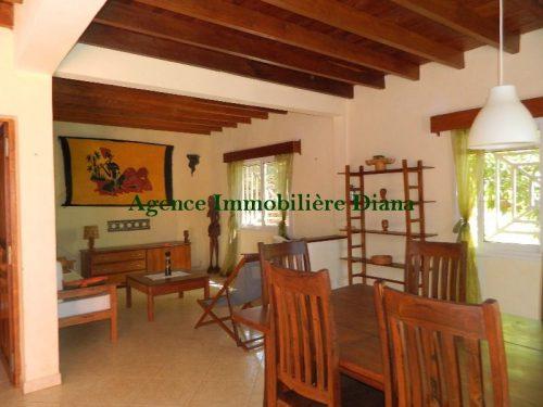 Location grand appartement meublé équipé vue mer terrasse Diego-Suarez