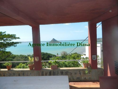 Location studio meublé belle terrasse vue mer route Ramene Diego-Suarez
