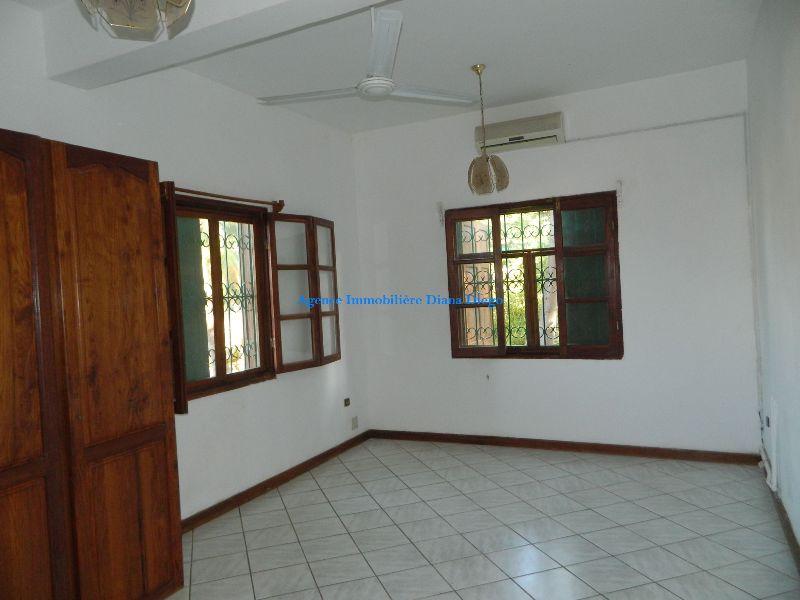 Location grand appartement vide centre-ville Diego-Suarez