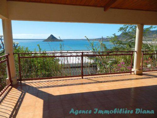 Location annuelle grande villa vide vue mer Diego-Suarez