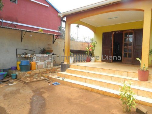 Petite maison prix perfect maison toit plat prix prix for Maison premier prix