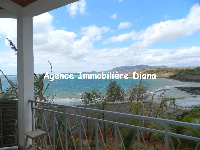 location-villa-meublee-vue-mer-route-universite-diego